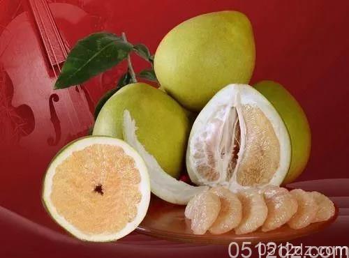 金鹰超市蜜柚只要2元/个,先到先得