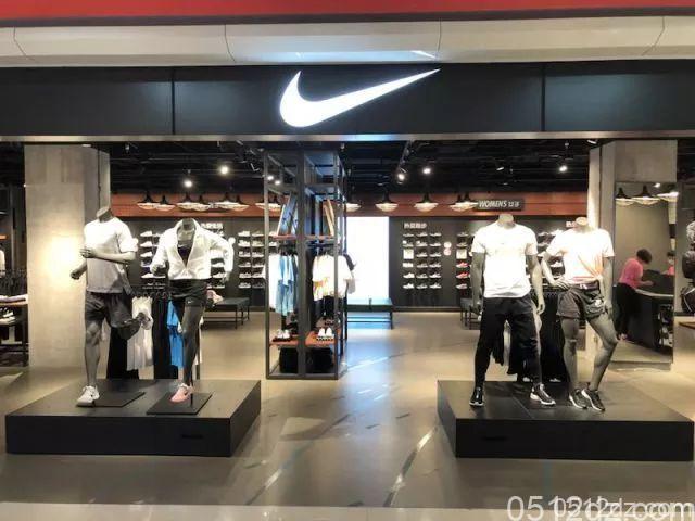 昆山商厦北门店Nike专柜开业特惠