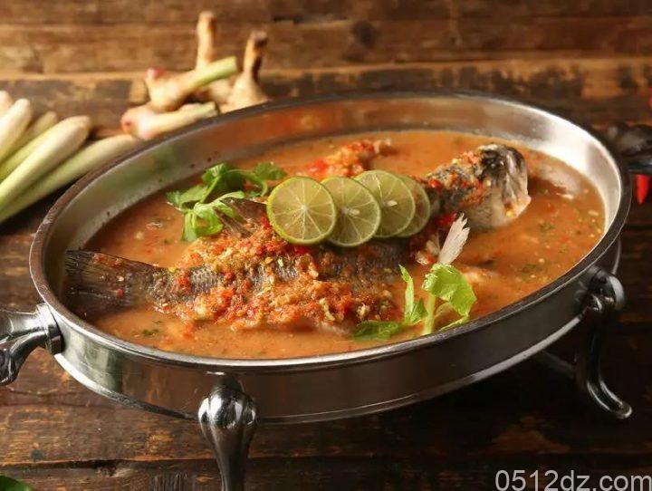 昆城汉泰中泰融合餐厅充值送礼